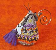 JNLEWSM Witchy Sister Mouse - click for more details